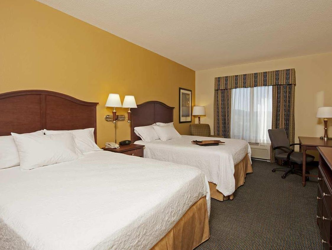 Hampton Inn And Suites Indianapolis Airport