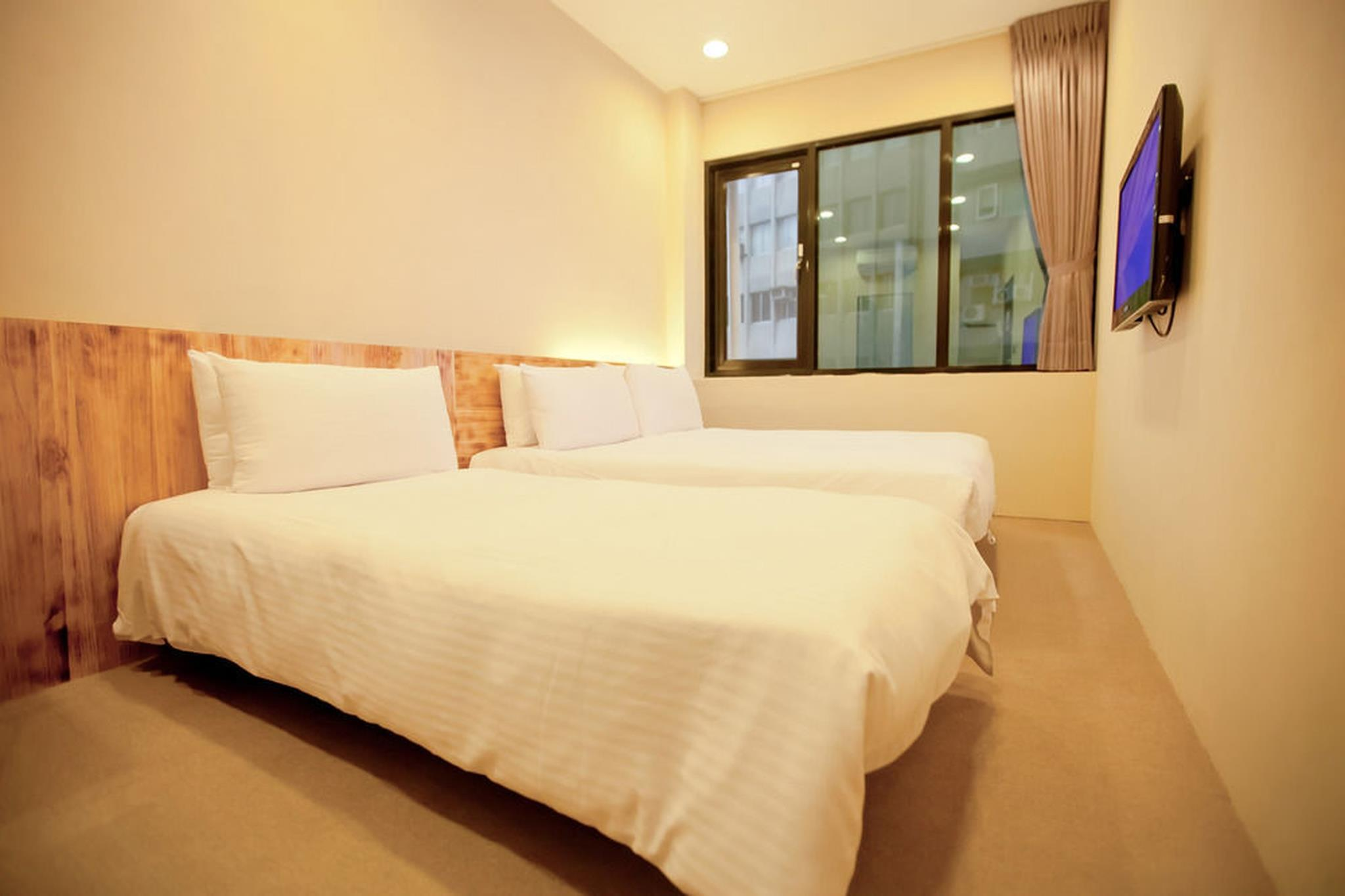 A SIMPLE PLACE Ximen Standard Triple Room