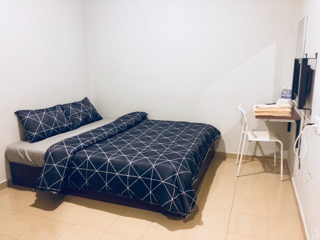 Lunas Homestay*WIFI* Double Room(5)