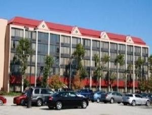 Sobre Radisson Hotel & Suites Cleveland Eastlake (Radisson Hotel & Suites Cleveland Eastlake)