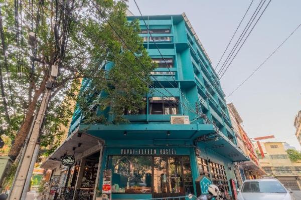 Bunny Burrow Hostel Bangkok