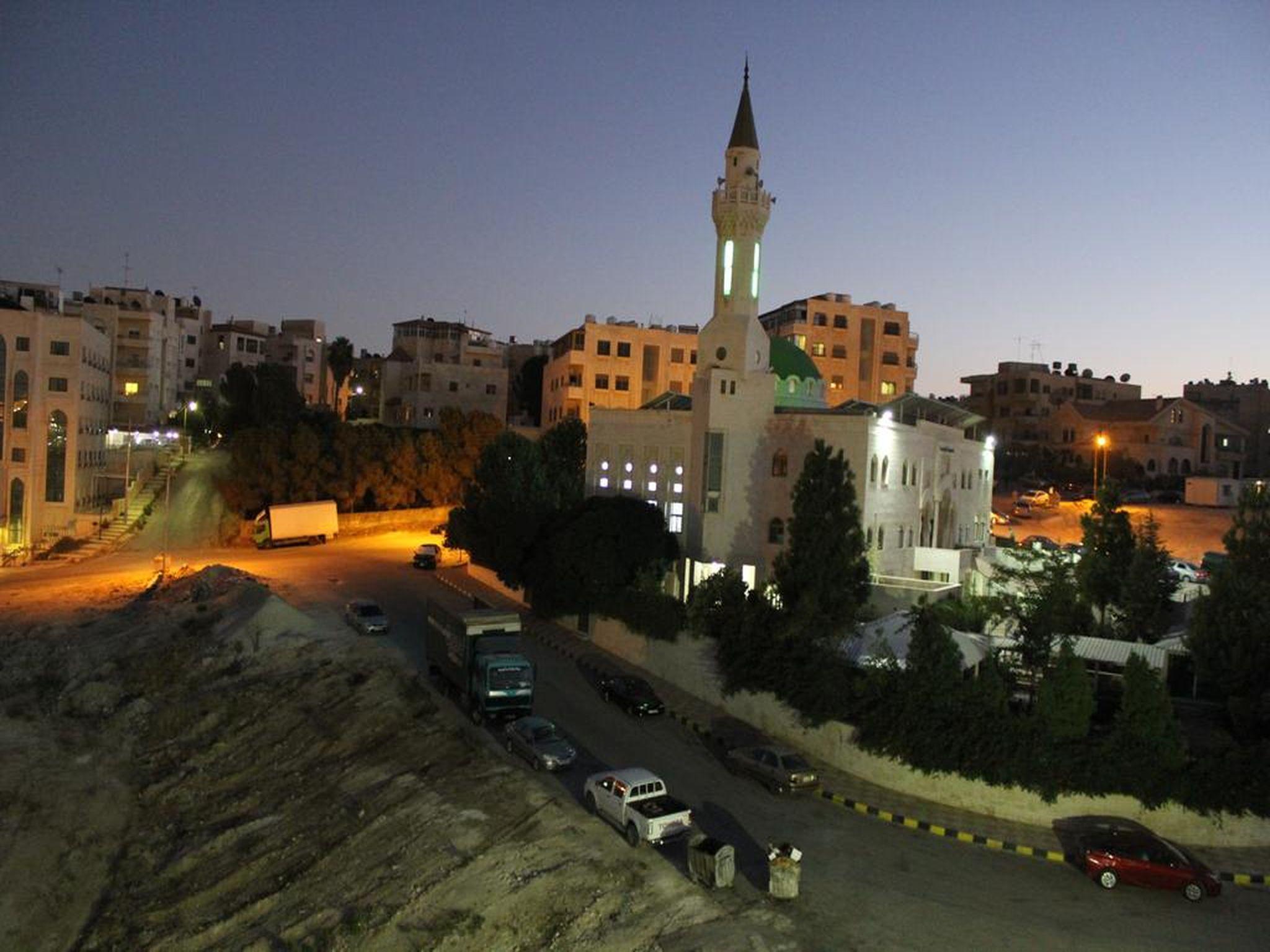 Al Mohandes Apartment 15