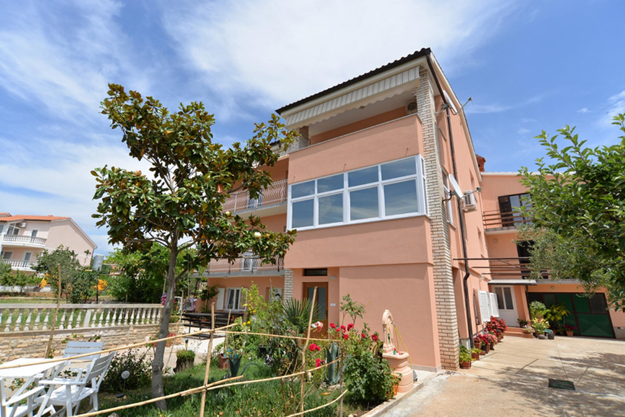 Traditional Two Bedroom Apartment In Medulin
