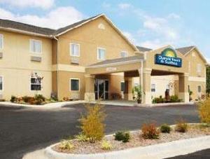 Days Inn & Suites Cabot