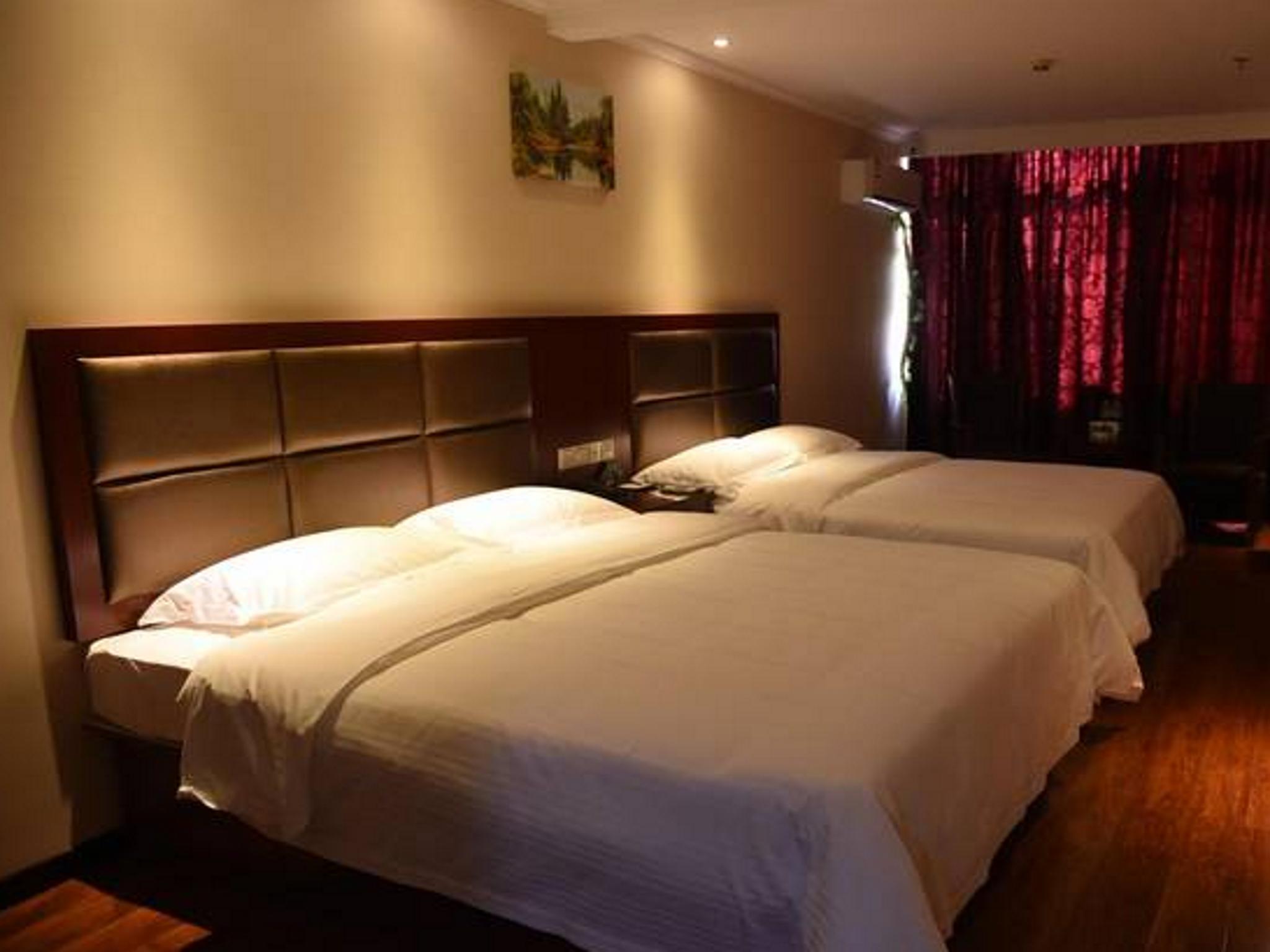 GreenTree Inn Suqian Bawangjuding Square Express Hotel