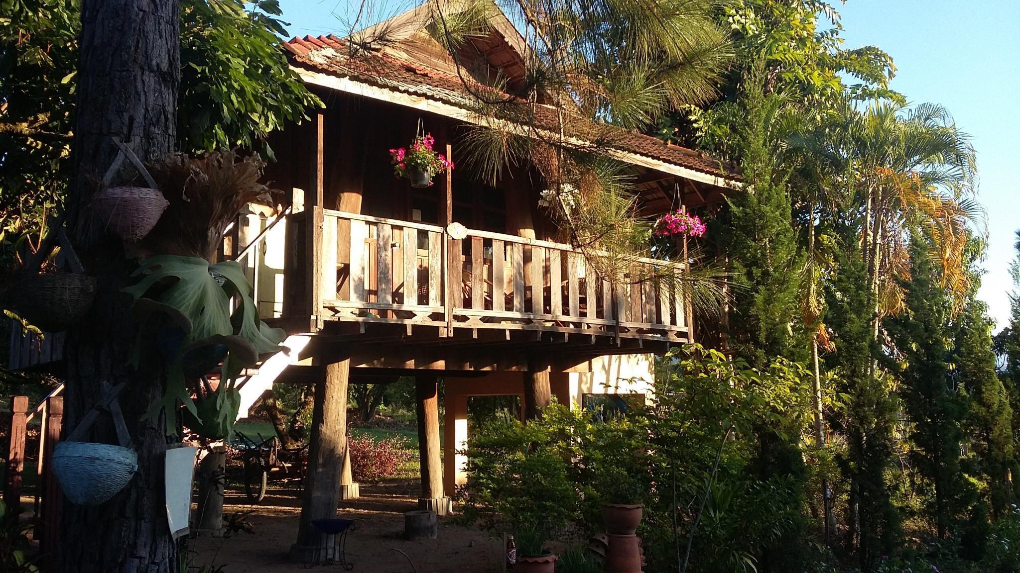Khoom Kam Kaew Farm And Resort