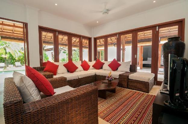 Seminyak 7 Bedroom, 9 Beds, Great Value, 5* Luxury