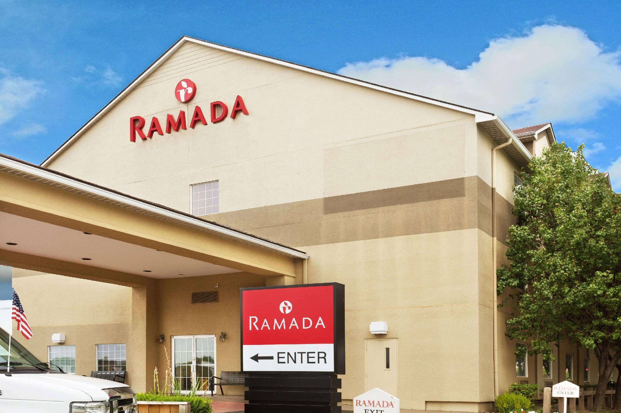Ramada By Wyndham Louisville Expo Center