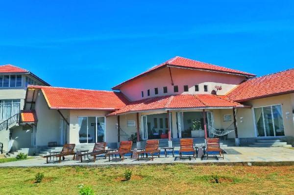Kayjay Beach House Pasikuda
