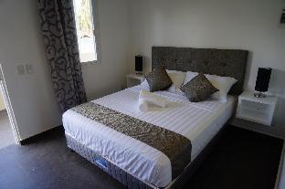 picture 2 of Malinawon Resort