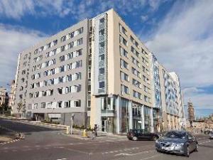 โรงแรม จูรี่ส อินน์ แบรดฟอร์ด (Jurys Inn Bradford)