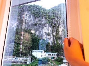 picture 5 of Den'gi Inn