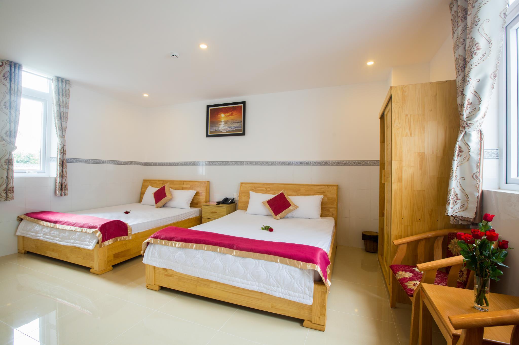 Vinh Phong Hotel