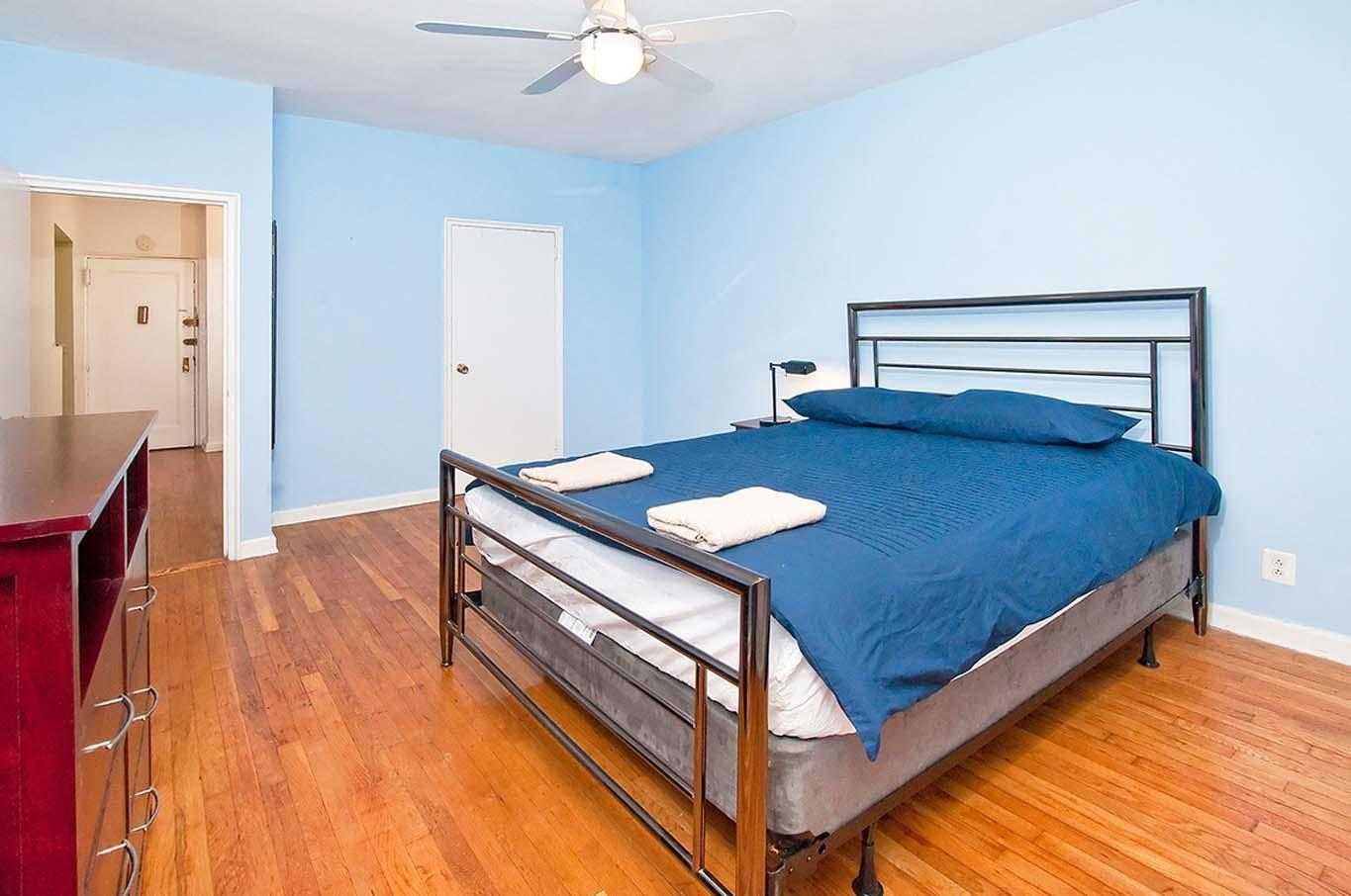 Authentic 2BR In UES 81st   3C