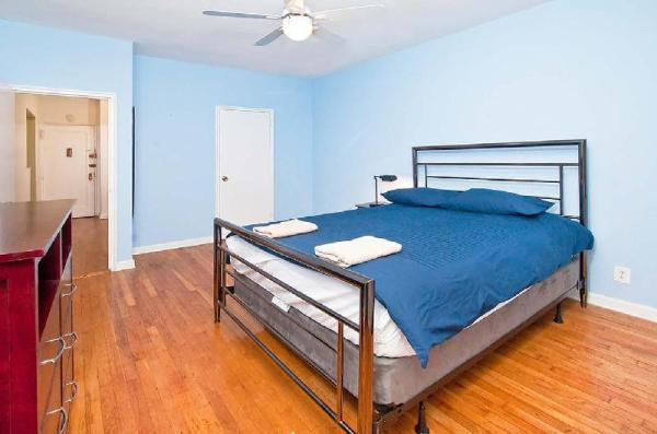 Authentic 2BR in UES 81st # 3C New York