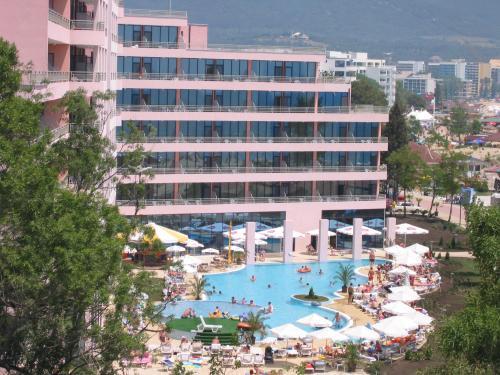 Hotel Globus   Halfboard