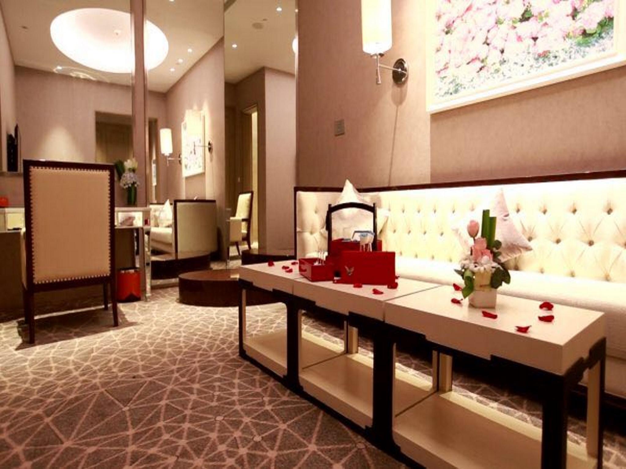 Hotel Plaza Carnival Qingdao
