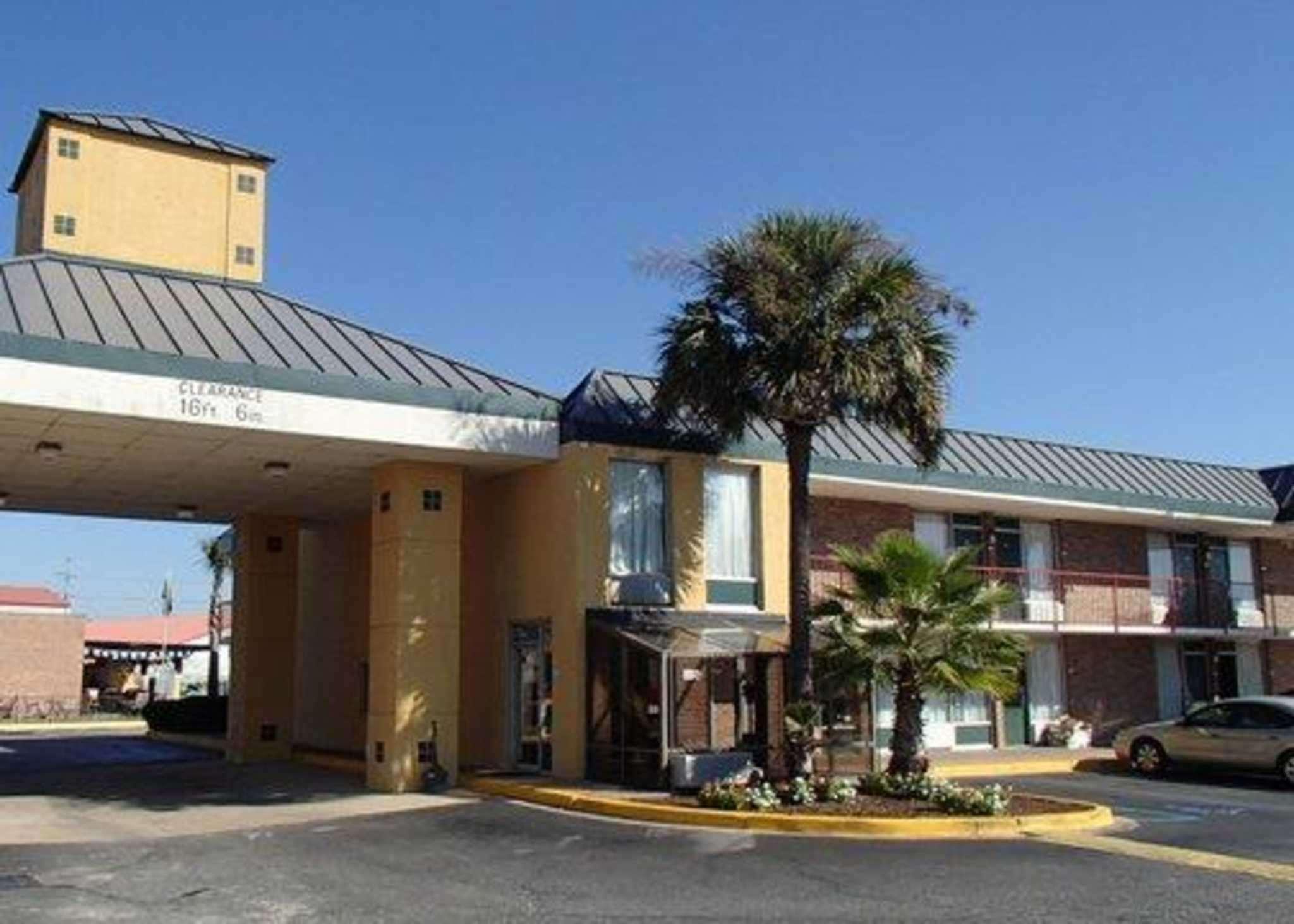 Suburban Extended Stay Hotel North Charleston I 526