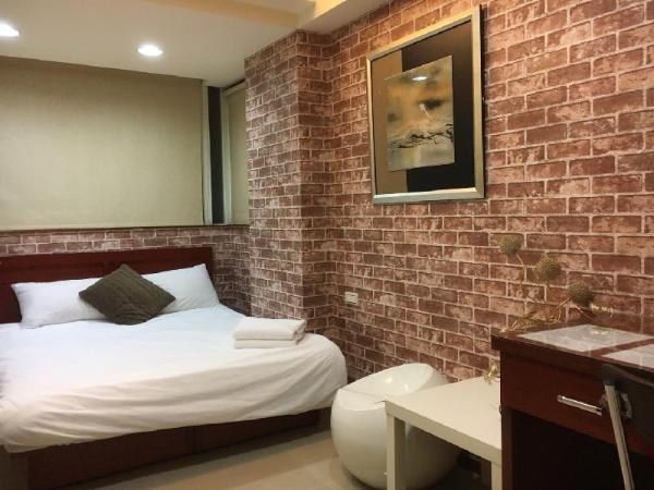 Double suite room - National Dr. Sun Yat-sen Memorial Hall-East zone Taipei