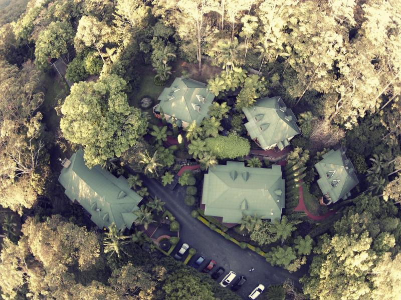 Escarpment Retreat