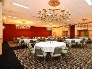 Clarion Hotel & Suites North