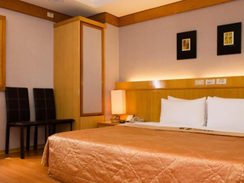 チュン テン ホテル (群登大飯店)