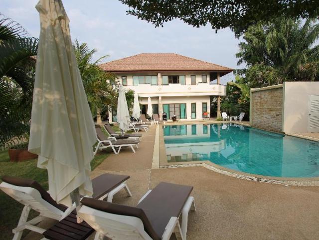 บาบิโลน พูล วิลล่า – Babylon Pool Villas