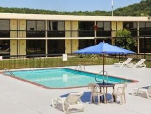 戴斯洞市酒店 (Motel 6 Cave City)