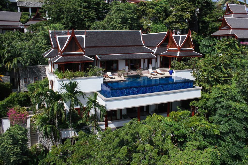 Luxury Thai Villa In Surin Beach