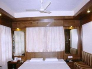 Royale Room