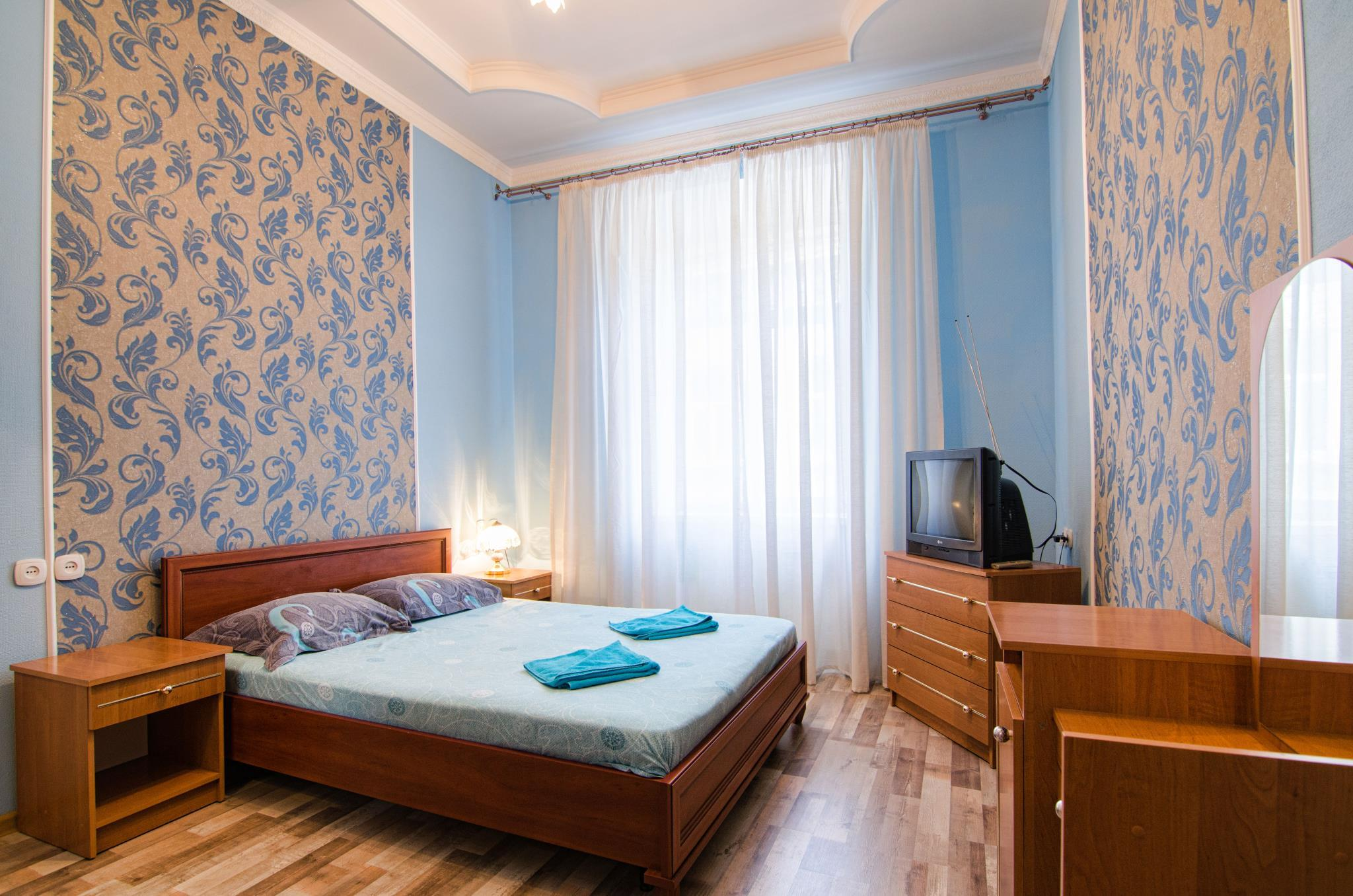 Two Bedrooms Apartment On Udatnogo 5