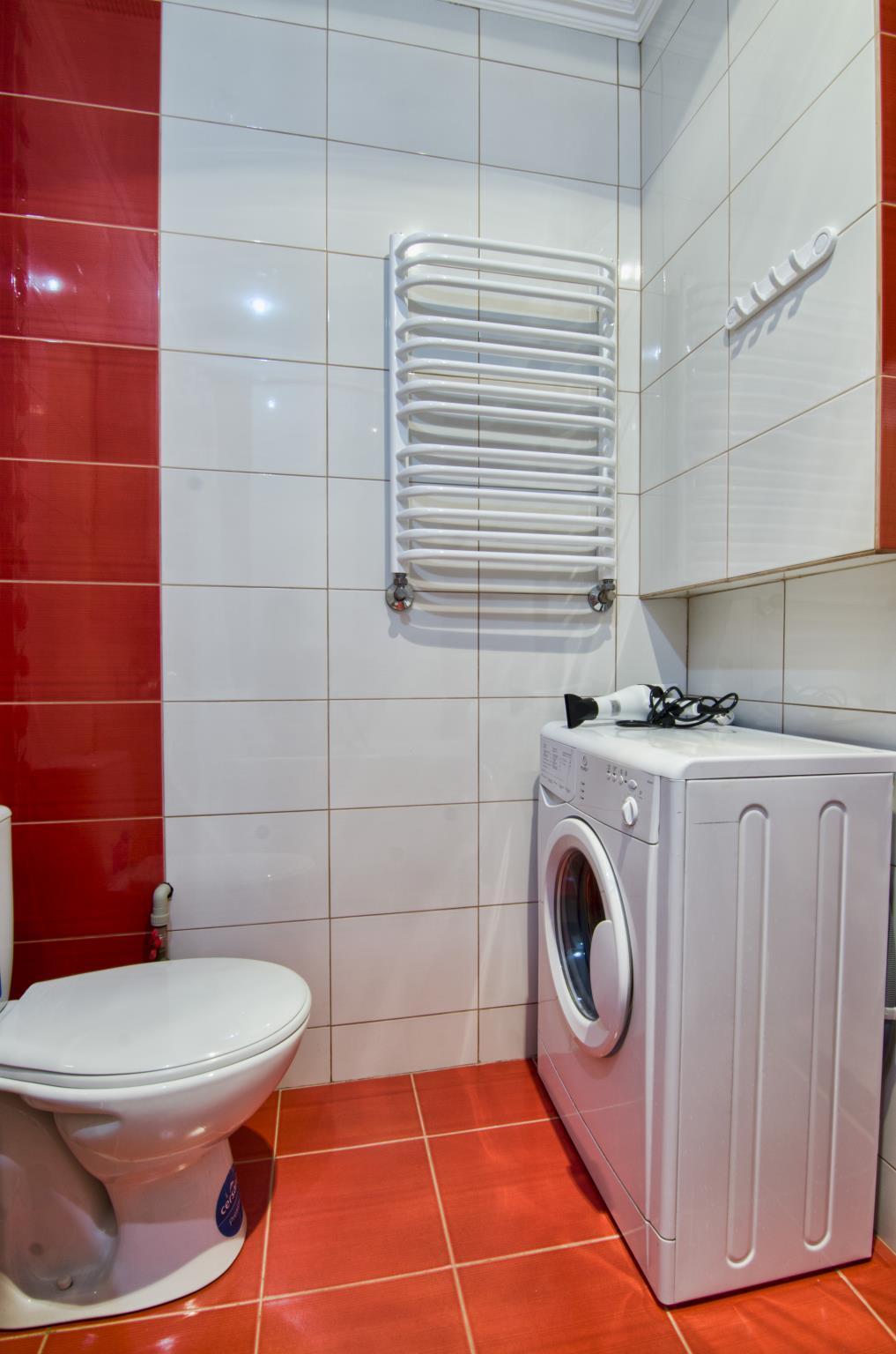 One Bedroom Apartment On  Mentsynskogo  1