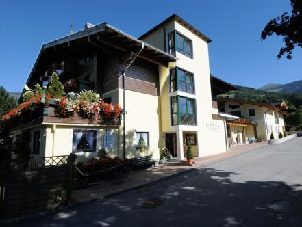 Hotel And Gasthof Kroll