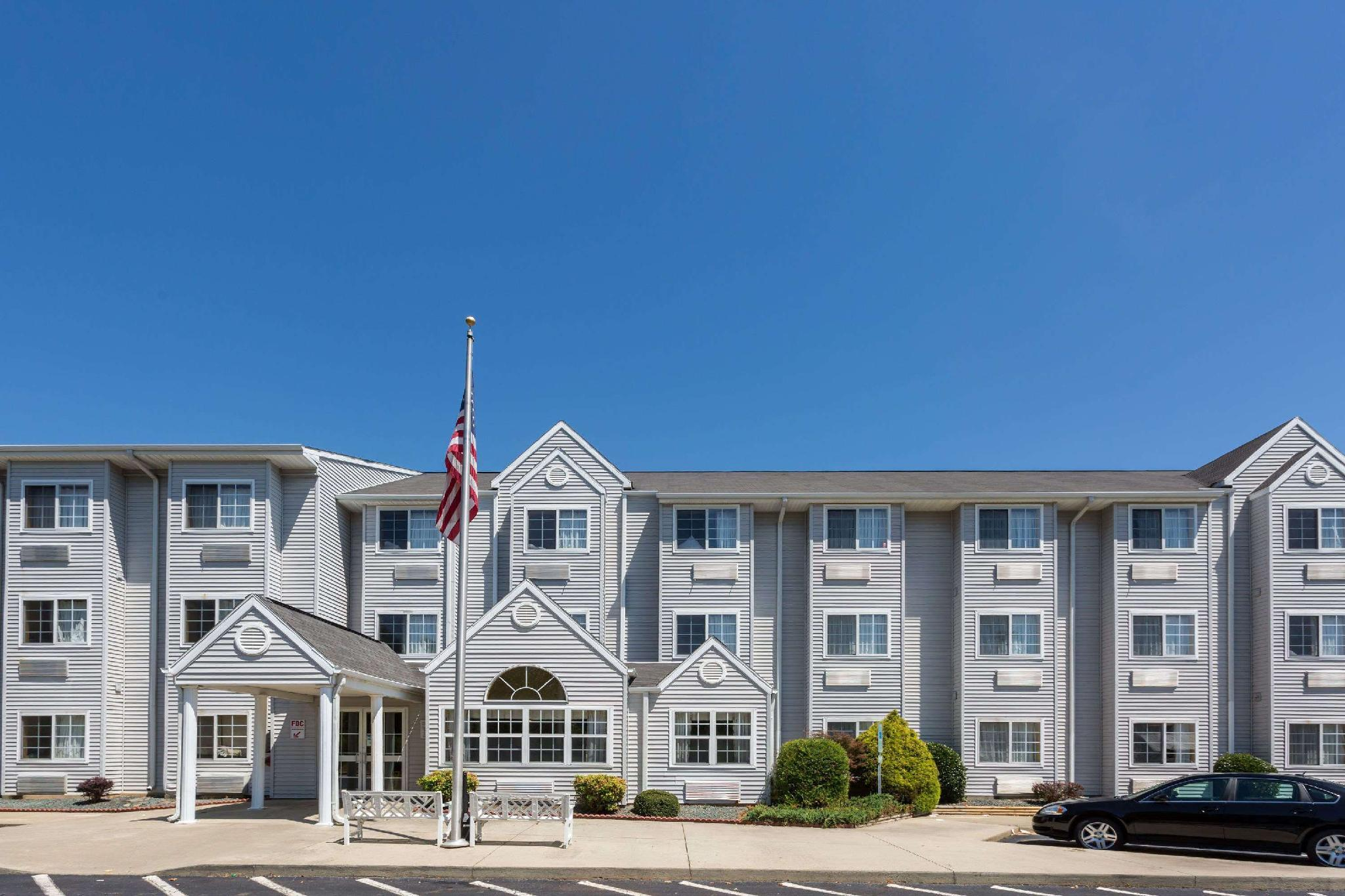 Microtel Inn And Suites By Wyndham Hillsborough