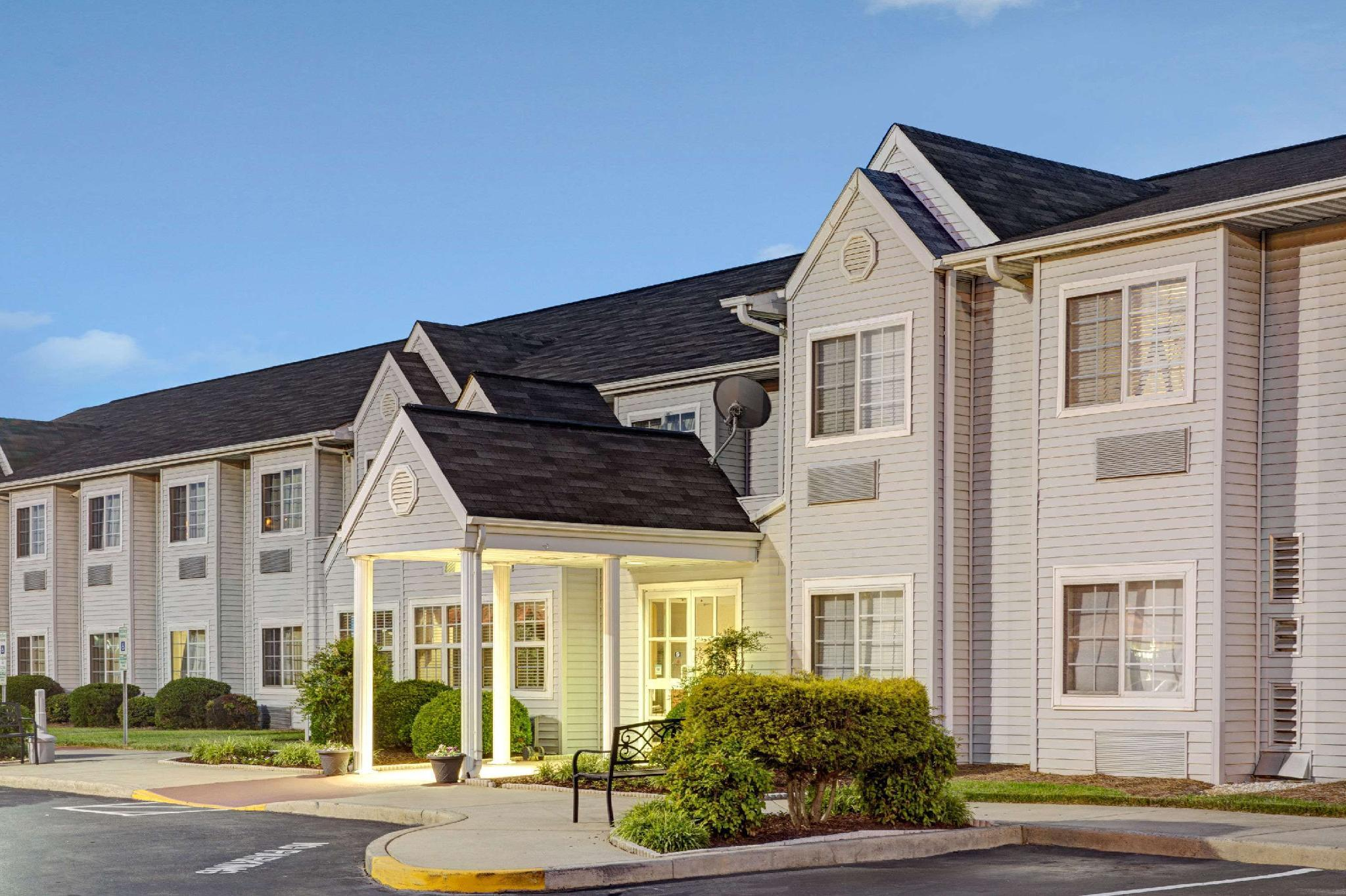 Microtel Inn And Suites By Wyndham Burlington