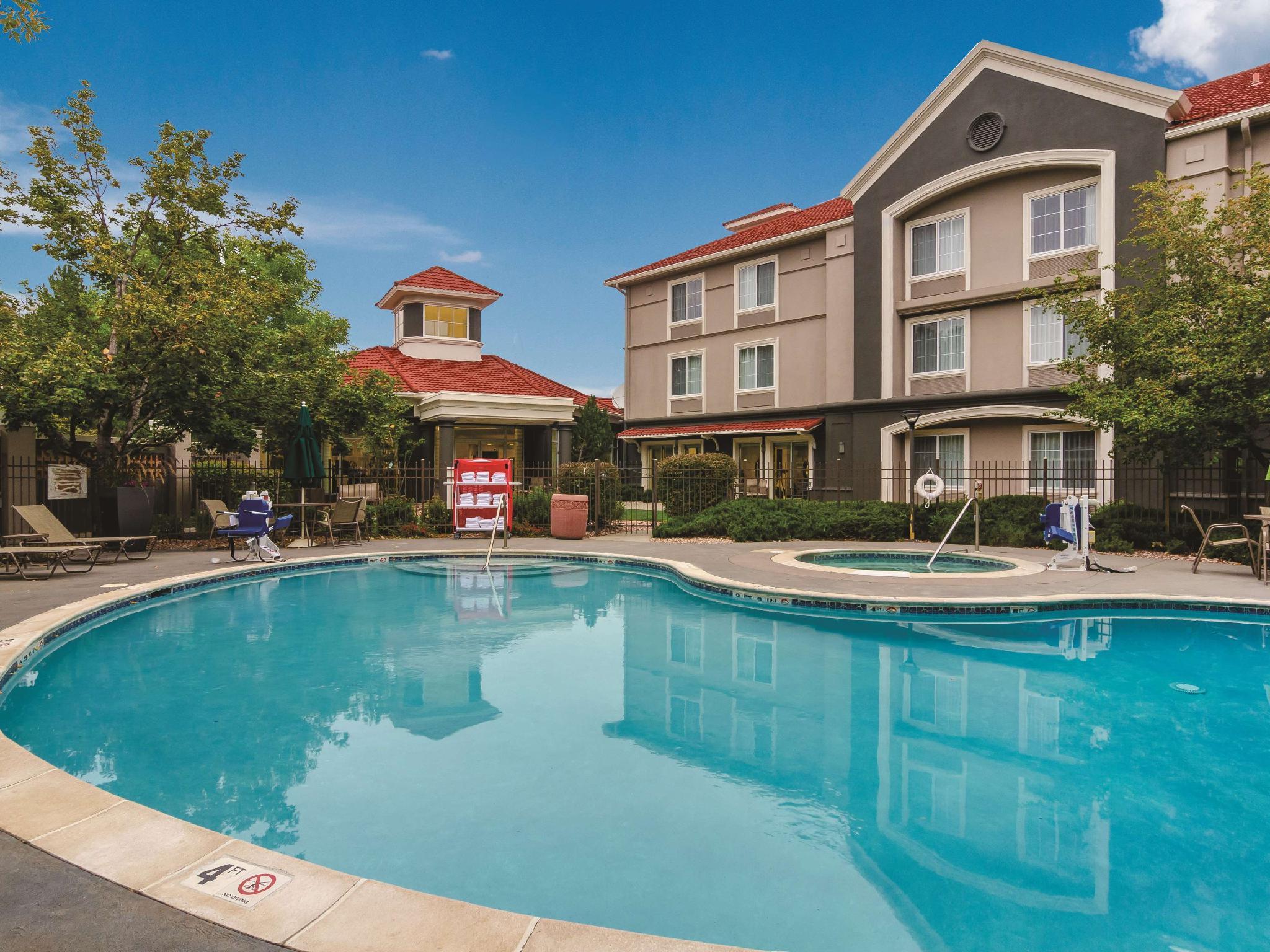 La Quinta Inn And Suites By Wyndham Denver Boulder Louisville