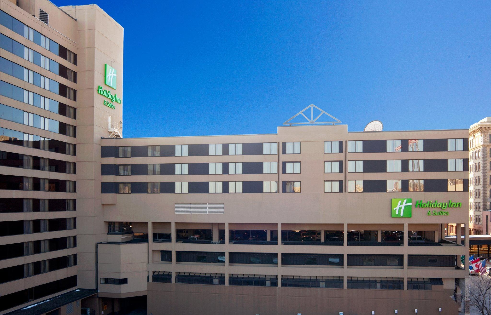 Holiday Inn And Suites Duluth Downtown