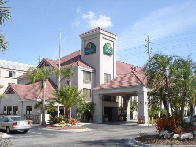 La Quinta Inn And Suites By Wyndham Orlando Universal Area
