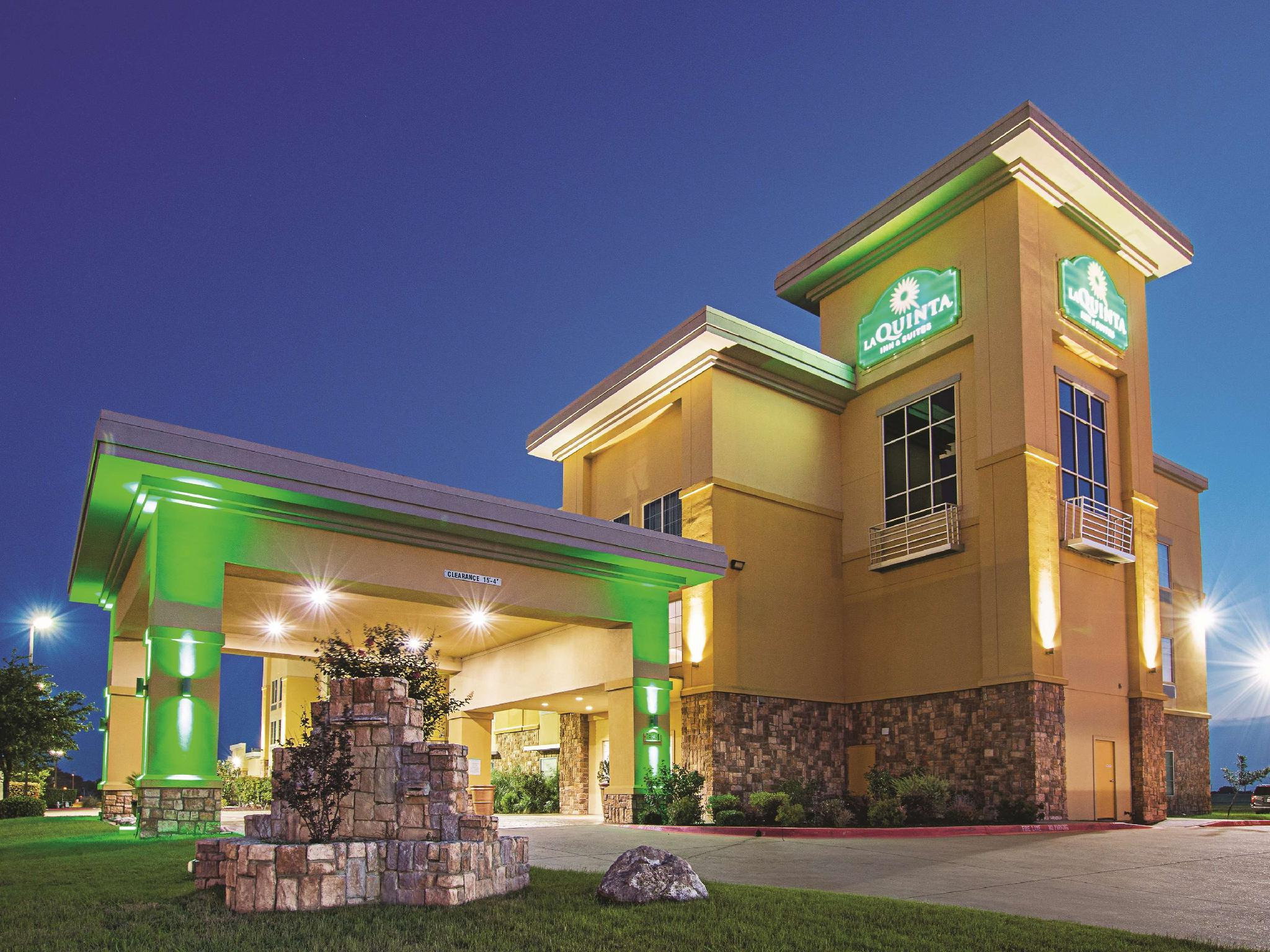 La Quinta Inn And Suites By Wyndham Ft. Worth   Forest Hill TX