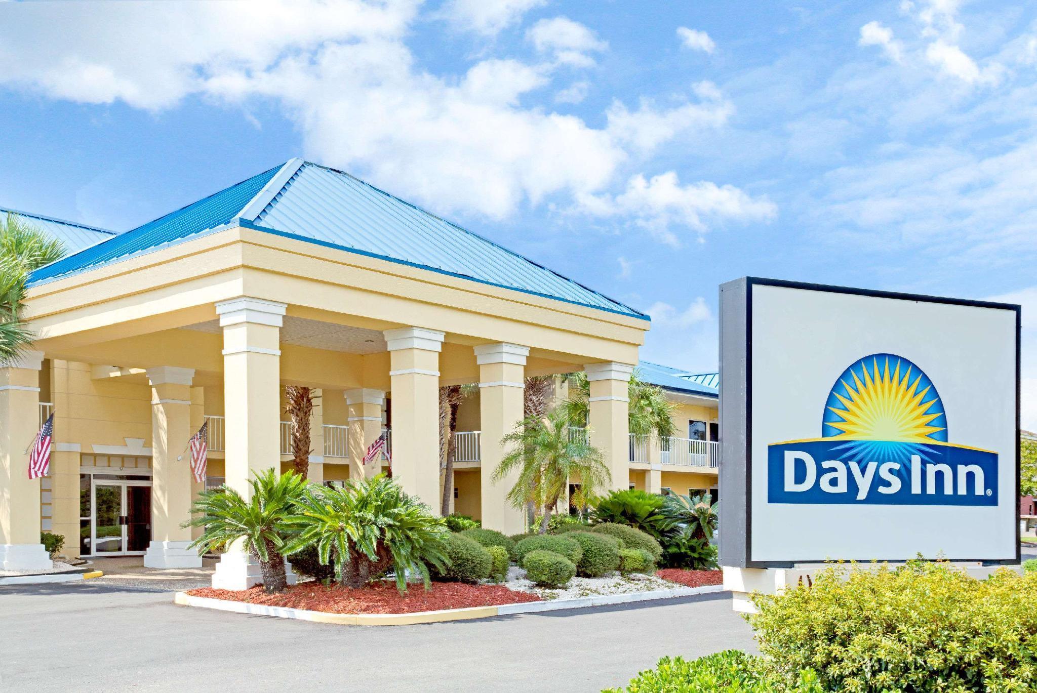 Days Inn By Wyndham Kingsland GA