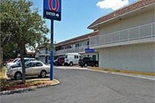 Motel 6 Corpus Christi East   N. Padre Island