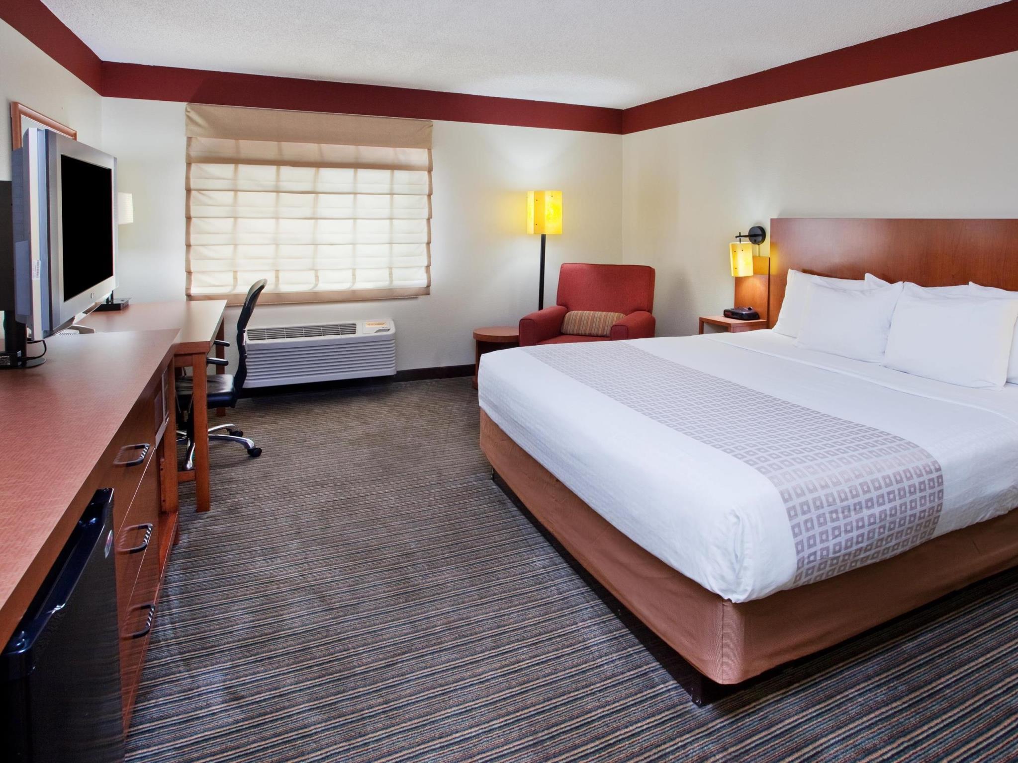 La Quinta Inn & Suites By Wyndham Savannah Southside