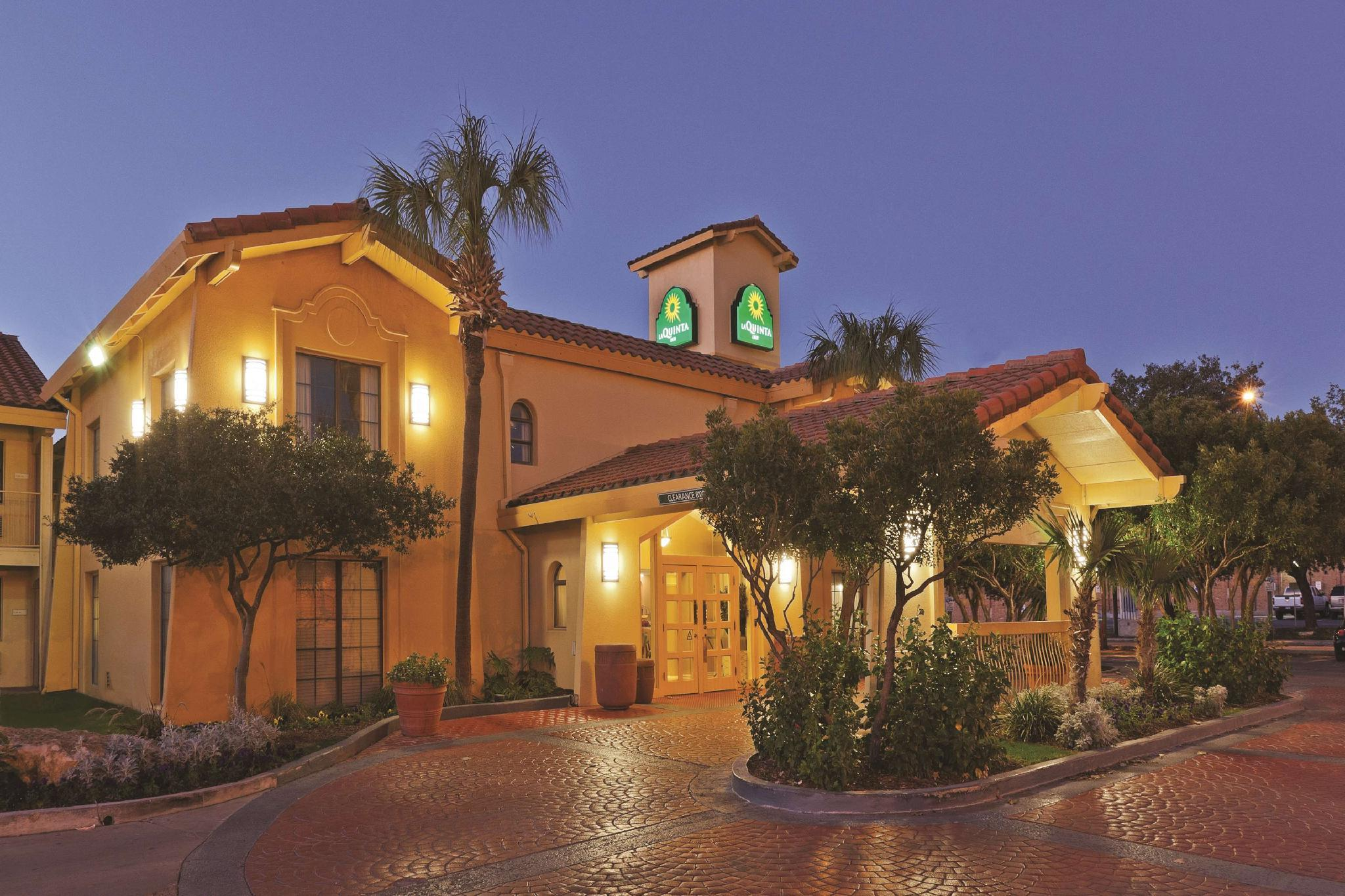 La Quinta Inn By Wyndham San Antonio Market Square