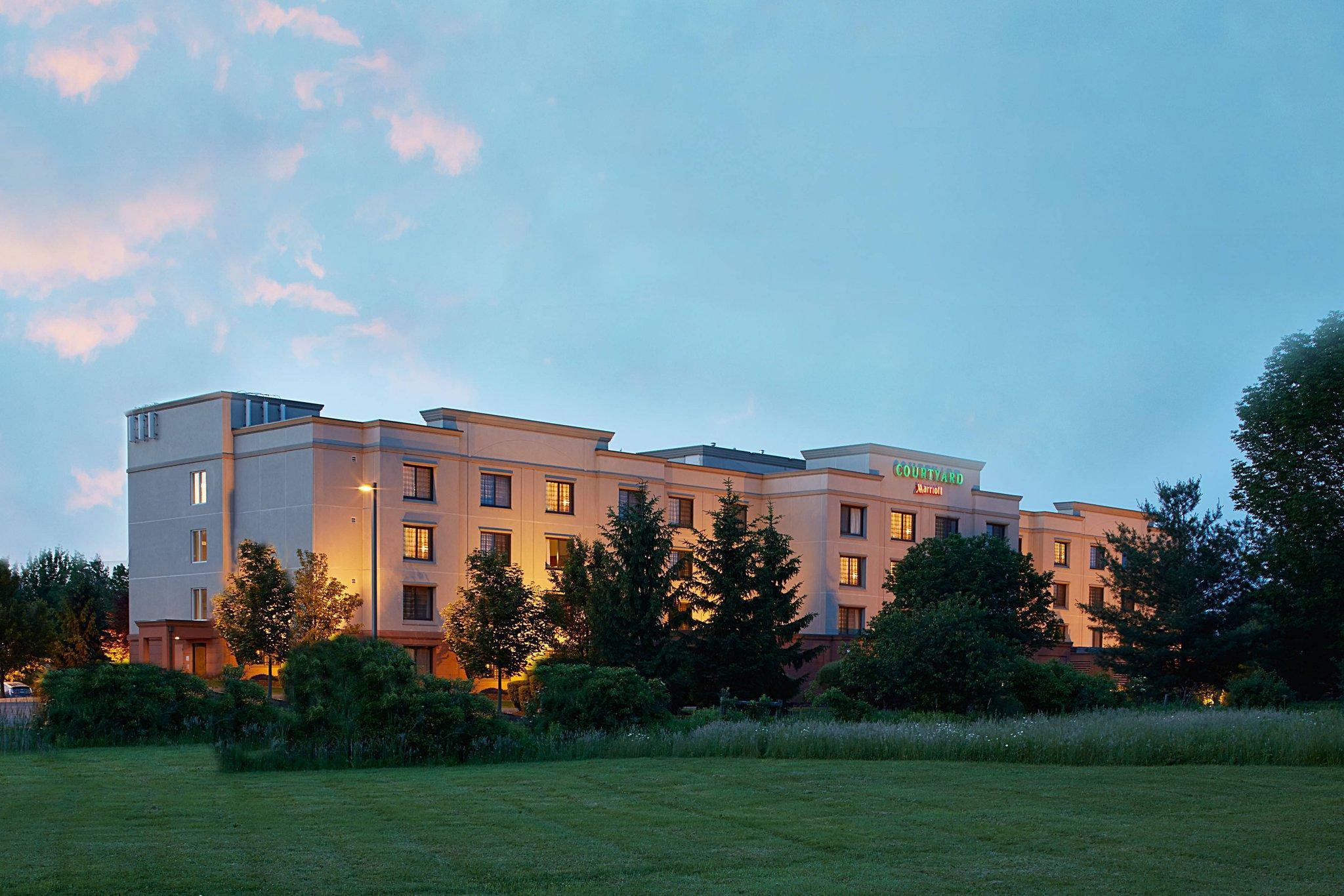 Courtyard Ithaca Airport University