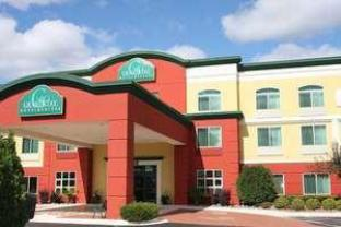 Фото отеля GrandStay Hotel Appleton - Fox River Mall