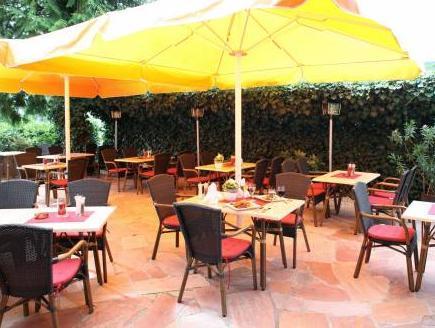 Hotel And Restaurant Hugenottengarten