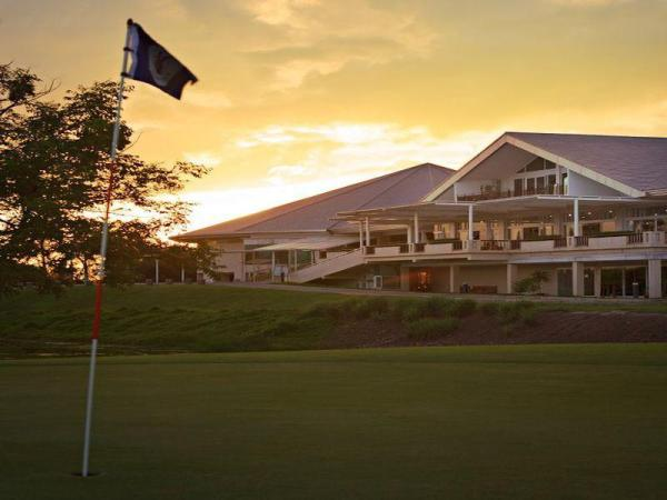 Uniland Golf & Resort Nakhon Pathom