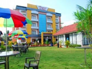Royal Riviera Hotel And Resort