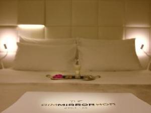The Mirror Barcelona Hotel