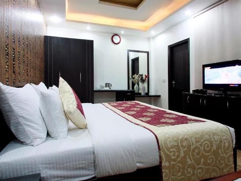 Hotel Universe Inn